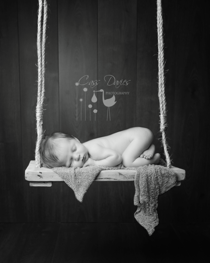 qualified safe baby photographer
