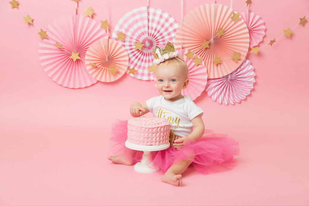 photographer chester, pink cake smash for baby girl, cake smash chester
